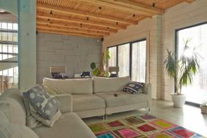 7色の家のイメージ写真