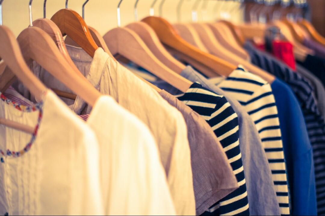 洋服の適正量を決めるとクローゼットが溢れることはありません
