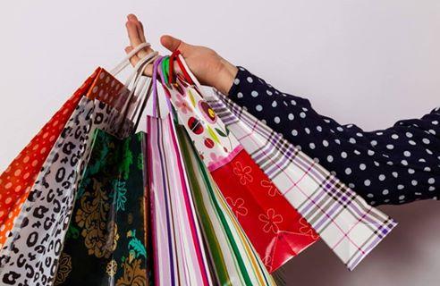 女子必見♪ バーゲンで戦利品を獲得するためのお出掛けファッション
